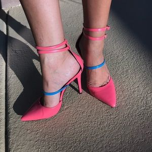 Shoe Dazzle coral & blue pointed toe strappy heel